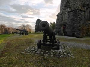 canon at the Hector Macdonald memorial Dingwall (2)