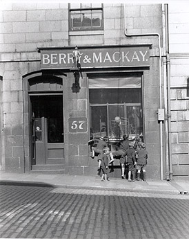 BERRY_MACKAY