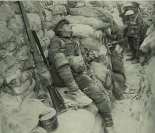 a34e76c1f3d05cbf3de1155c51f04530--war-photography-vintage-photography